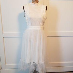 NWT White Scalloped Lace & Tulle Sleeveless Dress